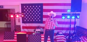 BARN SQUARE AND LINE DANCE CALLER IN READING BERKSHIRE