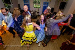 BARN DANCE AND LINE DANCE CALLER KENT